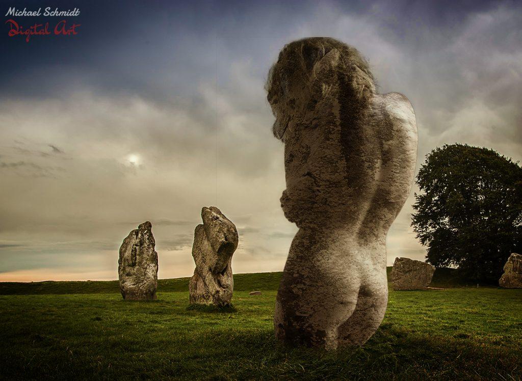 Stonehenge-Woman
